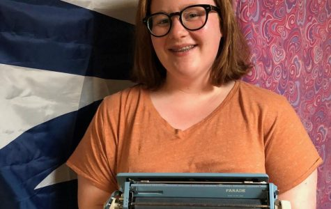 Harper Student Collects Old Typewriters